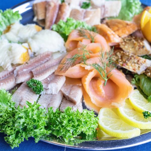 Fischplatte mit feinem Räucherfisch (2 Personen)